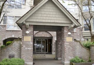 "Photo 1: 406 5650 OAK Street in Vancouver: Cambie Condo for sale in ""BLOOMFIELD GARDENS"" (Vancouver West)  : MLS®# R2169257"