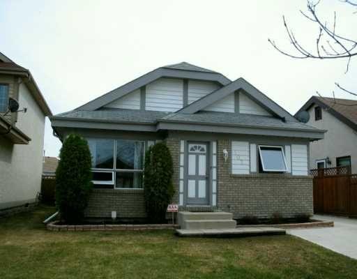 Main Photo: 107 PINETREE Crescent in WINNIPEG: West Kildonan / Garden City Single Family Detached for sale (North West Winnipeg)  : MLS®# 2706023