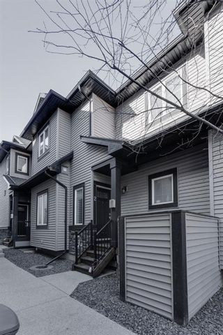 Photo 3: 2 309 15 Avenue NE in Calgary: Crescent Heights Row/Townhouse for sale : MLS®# A1149196