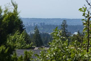 Photo 16: 555 LUCERNE Place in North Vancouver: Upper Delbrook House for sale : MLS®# R2599437