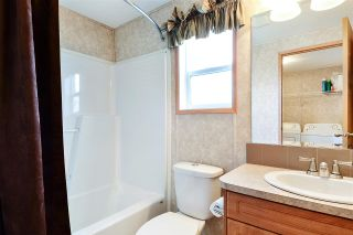 """Photo 11: 38 15875 20 Avenue in Surrey: King George Corridor Manufactured Home for sale in """"Sea Ridge Bays"""" (South Surrey White Rock)  : MLS®# R2375018"""