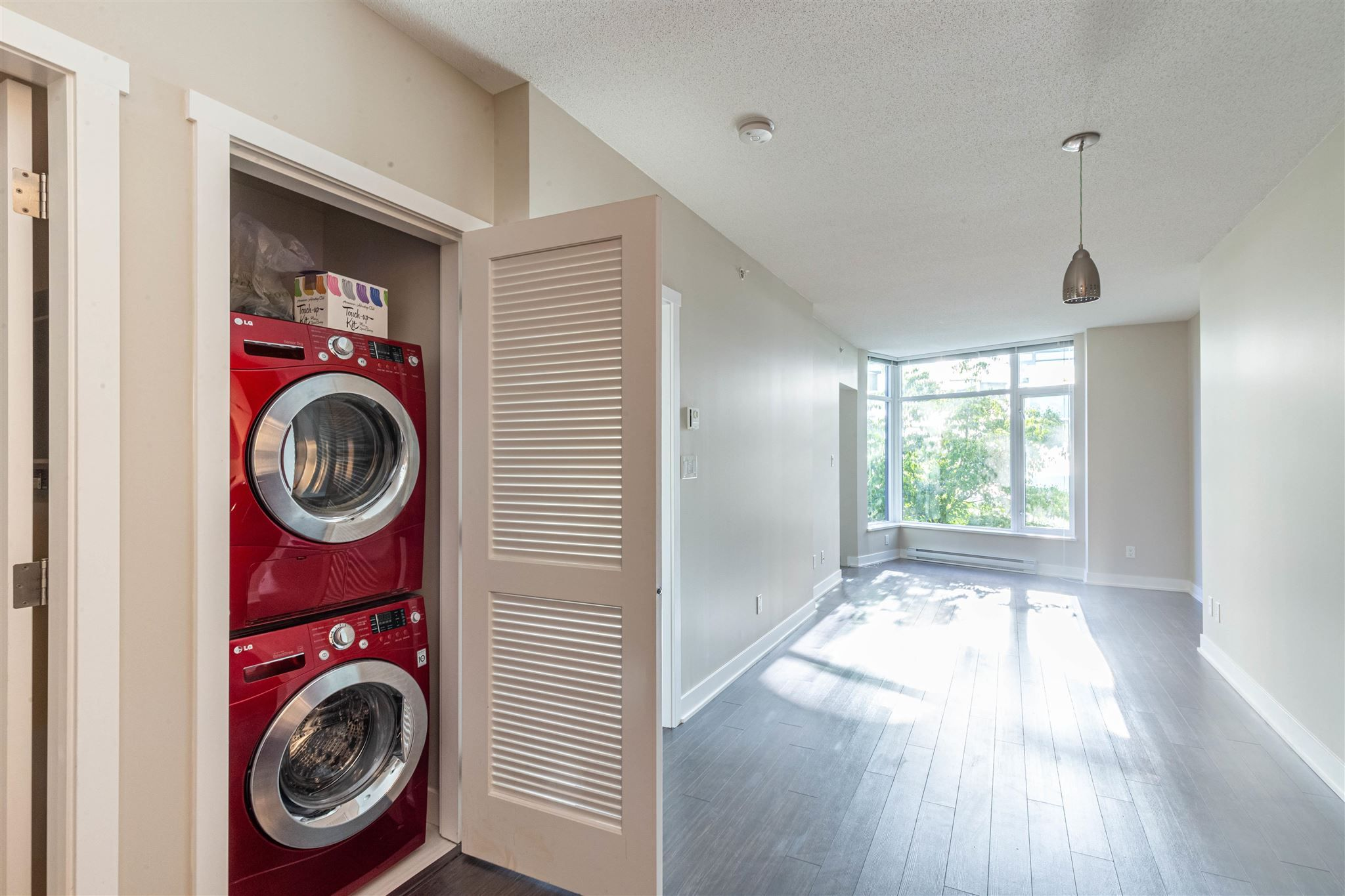 """Photo 8: Photos: 235 1777 W 7TH Avenue in Vancouver: Fairview VW Condo for sale in """"KITS 360"""" (Vancouver West)  : MLS®# R2607032"""