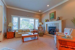 Photo 3: 5565 4 AVENUE in Delta: Pebble Hill House for sale (Tsawwassen)  : MLS®# R2047286