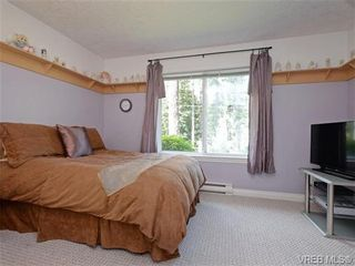Photo 14: 2981 Lakewood Pl in VICTORIA: La Humpback House for sale (Langford)  : MLS®# 738166