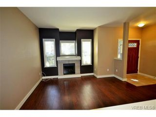 Photo 5: 878 Brock Ave in VICTORIA: La Langford Proper Row/Townhouse for sale (Langford)  : MLS®# 742350