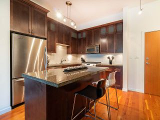 """Photo 10: 111 250 SALTER Street in New Westminster: Queensborough Condo for sale in """"PADDLERS LANDING"""" : MLS®# R2304271"""