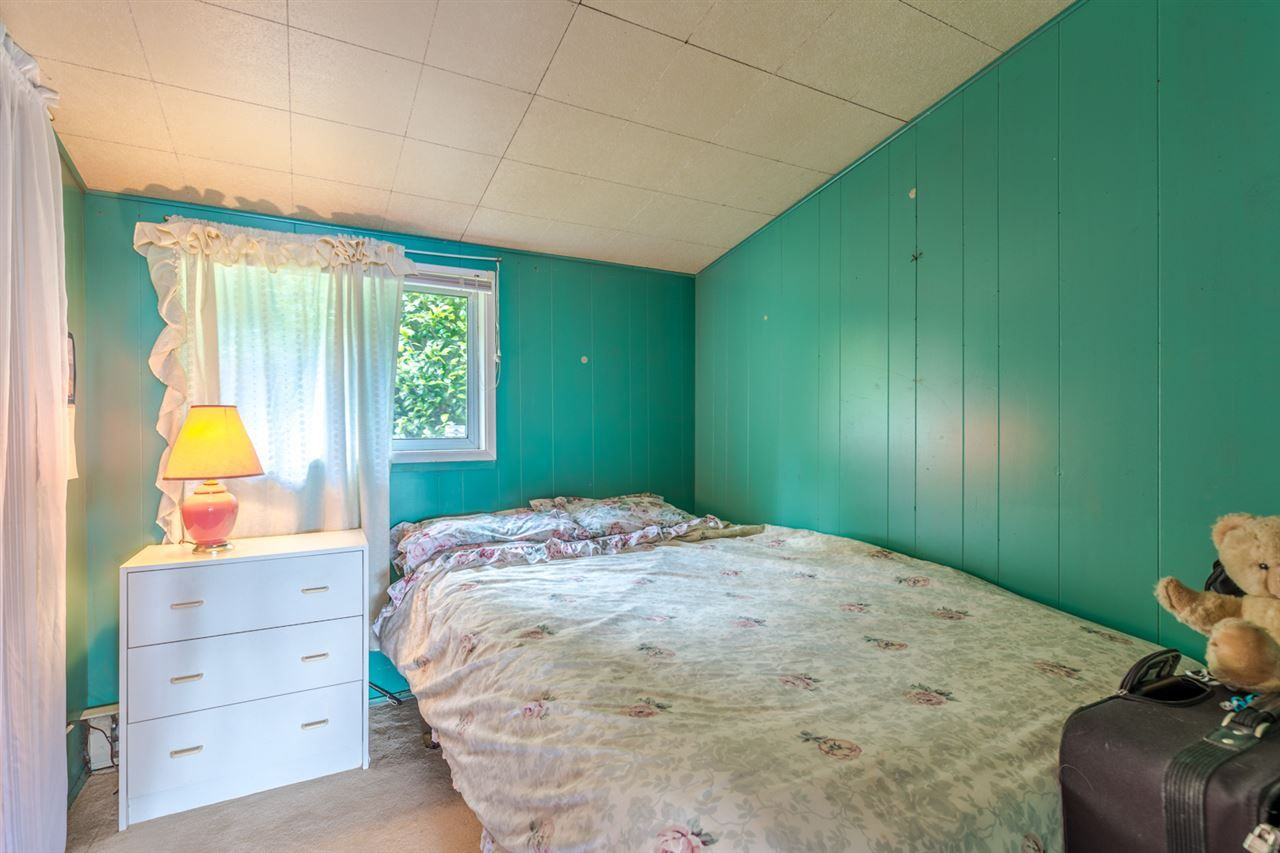 "Photo 11: Photos: 3223 BEACH Avenue: Roberts Creek House for sale in ""HEART OF ROBERTS CREEK"" (Sunshine Coast)  : MLS®# R2469113"