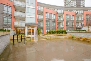"""Photo 3: 108 20 E ROYAL Avenue in New Westminster: Fraserview NW Condo for sale in """"THE LOOKOUT"""" : MLS®# R2237178"""