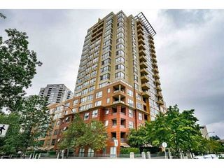 "Photo 1: 1507 5288 MELBOURNE Street in Vancouver: Collingwood VE Condo for sale in ""EMERALD PARK PLACE"" (Vancouver East)  : MLS®# R2473828"