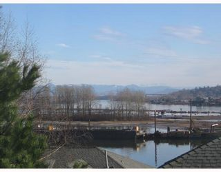 Photo 2: # 123 28 RICHMOND ST in New Westminster: Condo for sale : MLS®# V750450