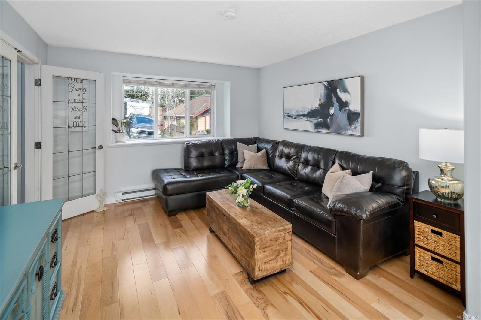 Photo 10: Photos: 521 Selwyn Oaks Pl in : La Mill Hill House for sale (Langford)  : MLS®# 871051