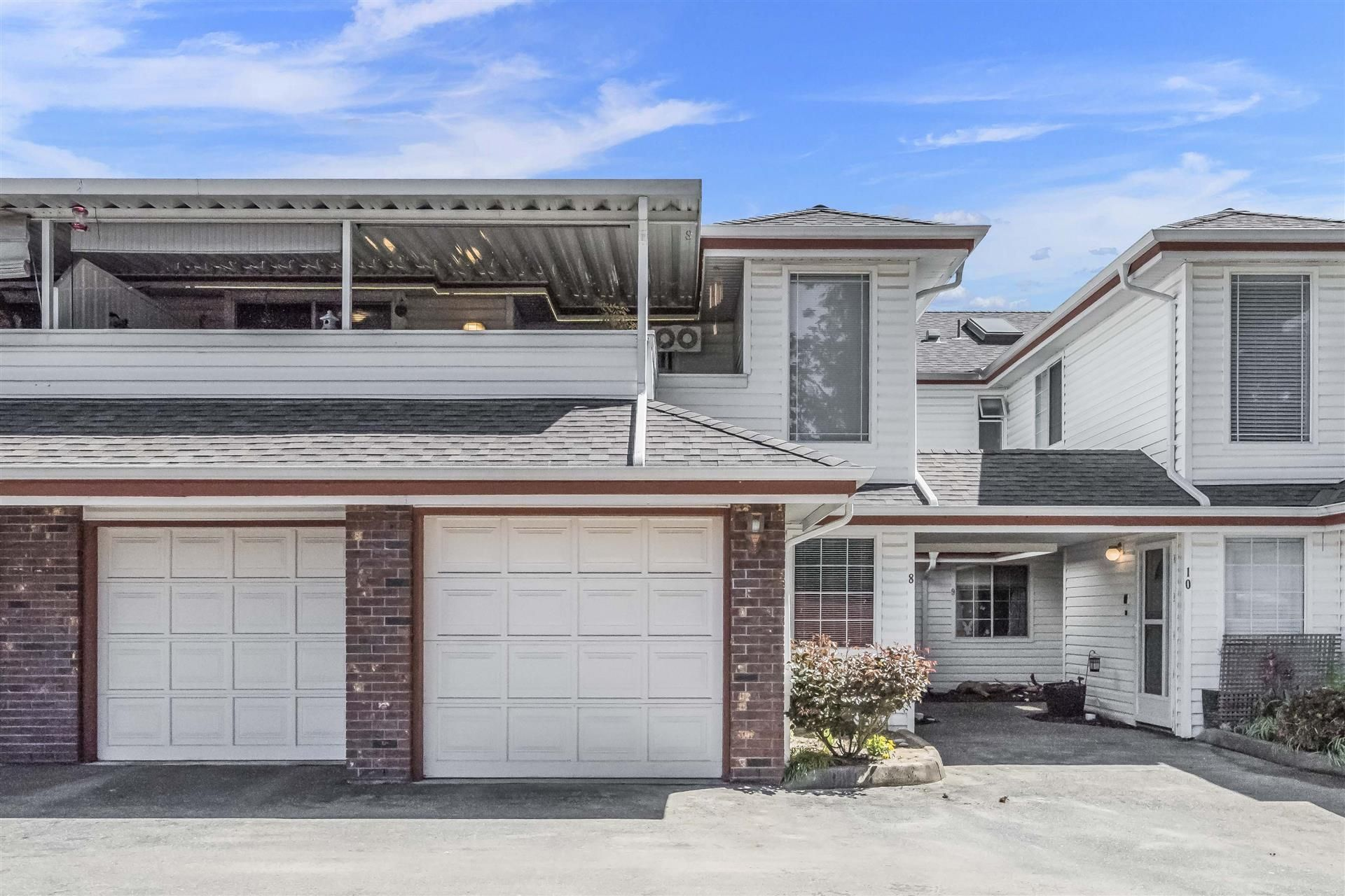 Main Photo: 8 22128 DEWDNEY TRUNK Road in Maple Ridge: West Central Townhouse for sale : MLS®# R2366824