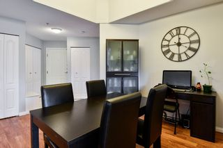 """Photo 4: 335 19528 FRASER Highway in Surrey: Cloverdale BC Condo for sale in """"THE FAIRMONT"""" (Cloverdale)  : MLS®# R2469719"""