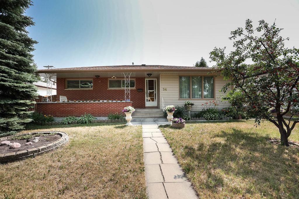 Main Photo: 34 Sansome Avenue in Winnipeg: Westwood Residential for sale (5G)  : MLS®# 202117585