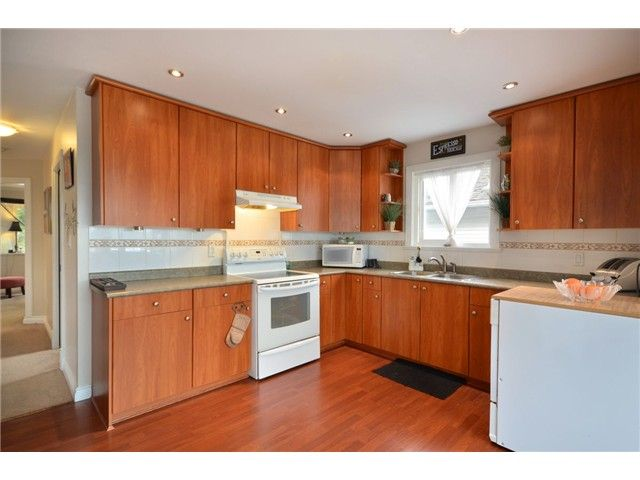 Photo 9: Photos: 338 E6th Ave in New Westminster: The Heights NW House for sale : MLS®# V1050346