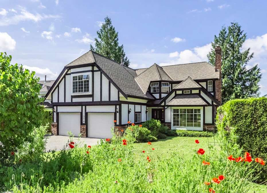 Main Photo: 374 BALFOUR Drive in Coquitlam: Coquitlam East House for sale : MLS®# R2377070
