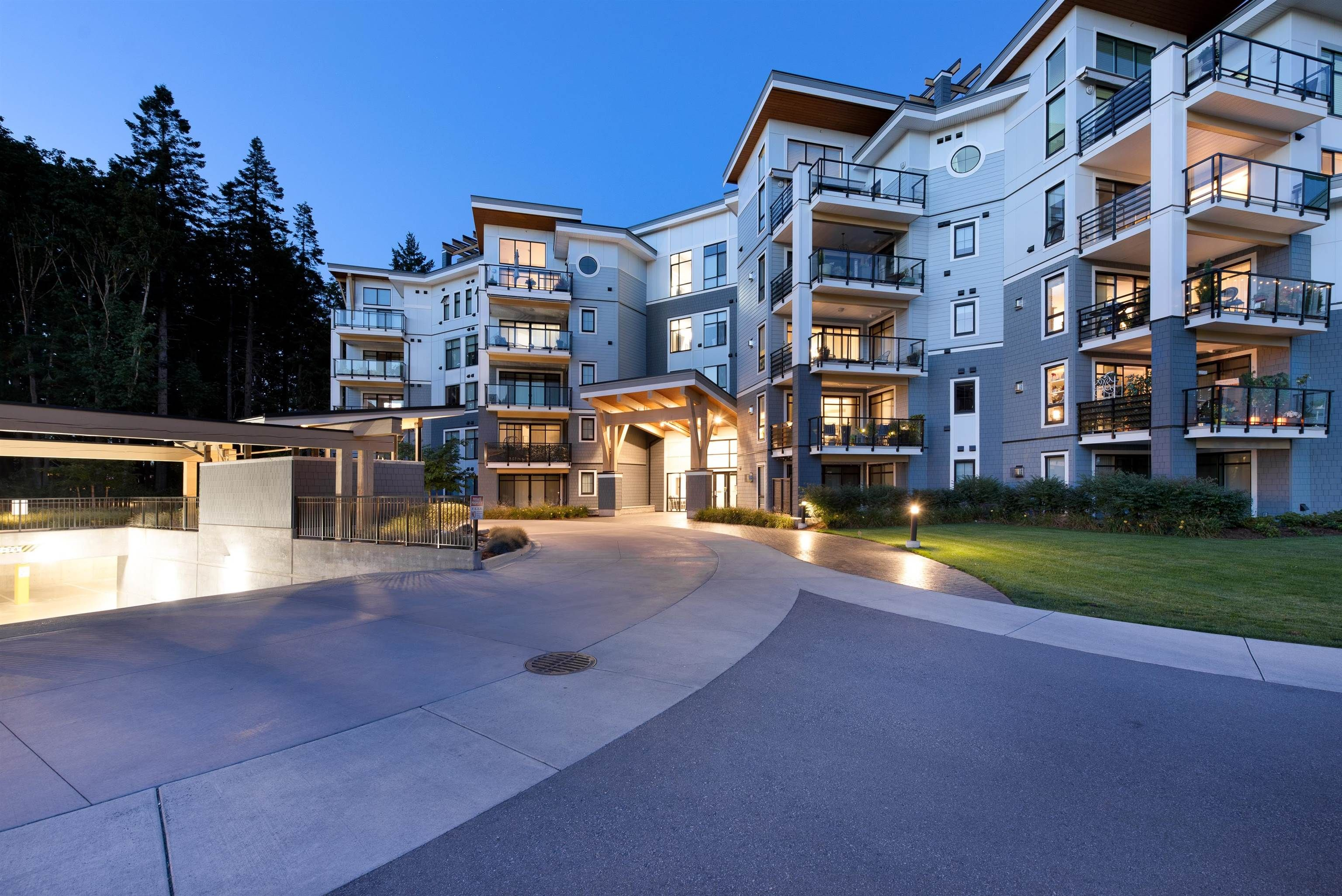 """Main Photo: 301 5380 TYEE Lane in Chilliwack: Vedder S Watson-Promontory Condo for sale in """"THE BOARDWALK AT RIVERS EDGE"""" (Sardis)  : MLS®# R2615754"""