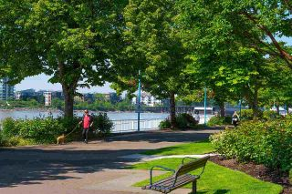 """Photo 30: 306 5 K DE K Court in New Westminster: Quay Condo for sale in """"Quayside Terrace"""" : MLS®# R2585384"""