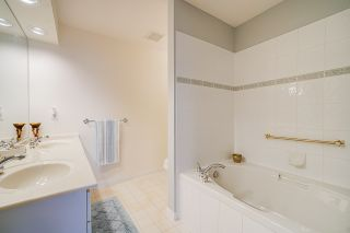 """Photo 23: 215 3098 GUILDFORD Way in Coquitlam: North Coquitlam Condo for sale in """"Marlborough House"""" : MLS®# R2555824"""