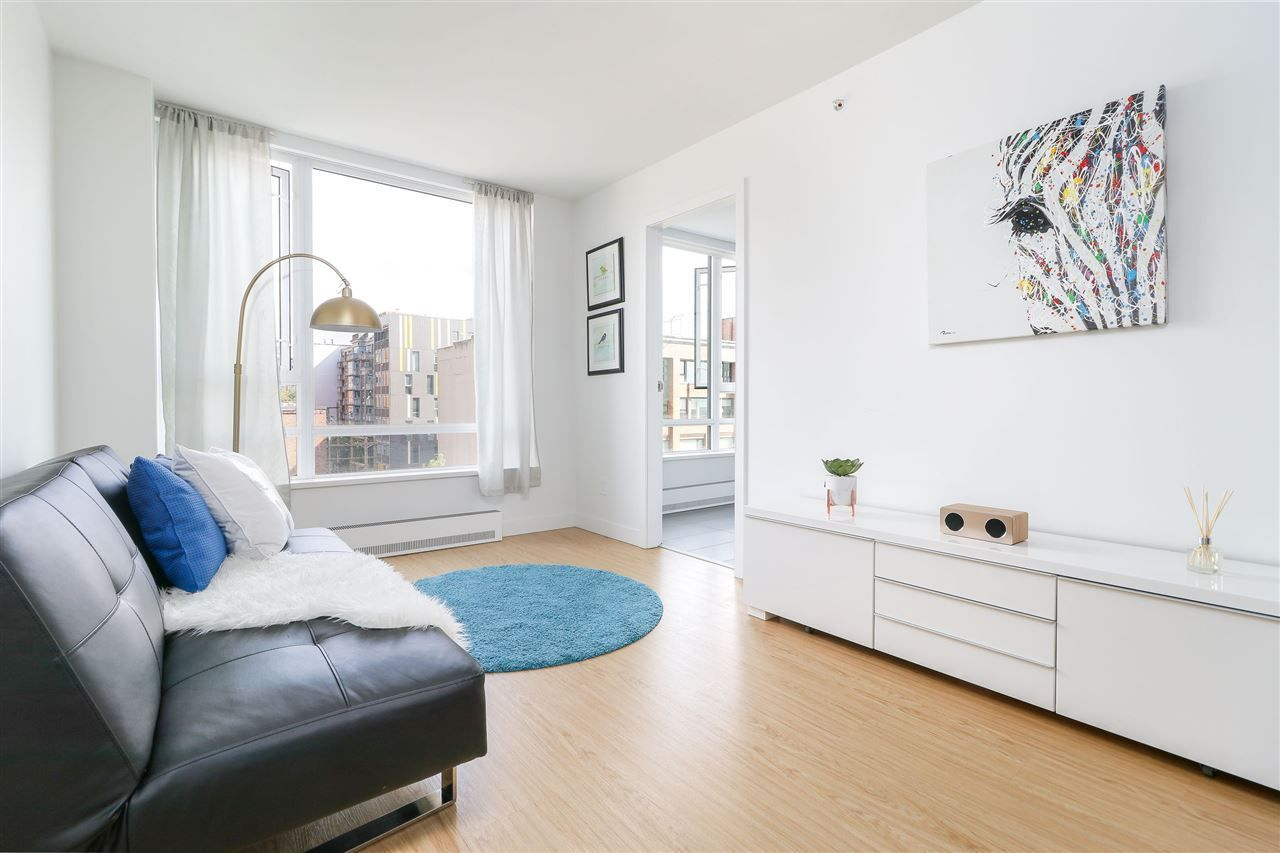 """Main Photo: 912 188 KEEFER Street in Vancouver: Downtown VE Condo for sale in """"188 KEEFER"""" (Vancouver East)  : MLS®# R2306142"""