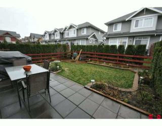 """Photo 10: 35 16760 61ST Avenue in Surrey: Cloverdale BC Townhouse for sale in """"Harvest Landing"""" (Cloverdale)  : MLS®# F2927875"""