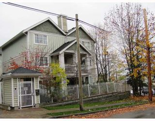 "Photo 1: 9 123 7TH Street in New Westminster: Uptown NW Townhouse for sale in ""ROYAL CITY TERRACE"" : MLS®# V796259"