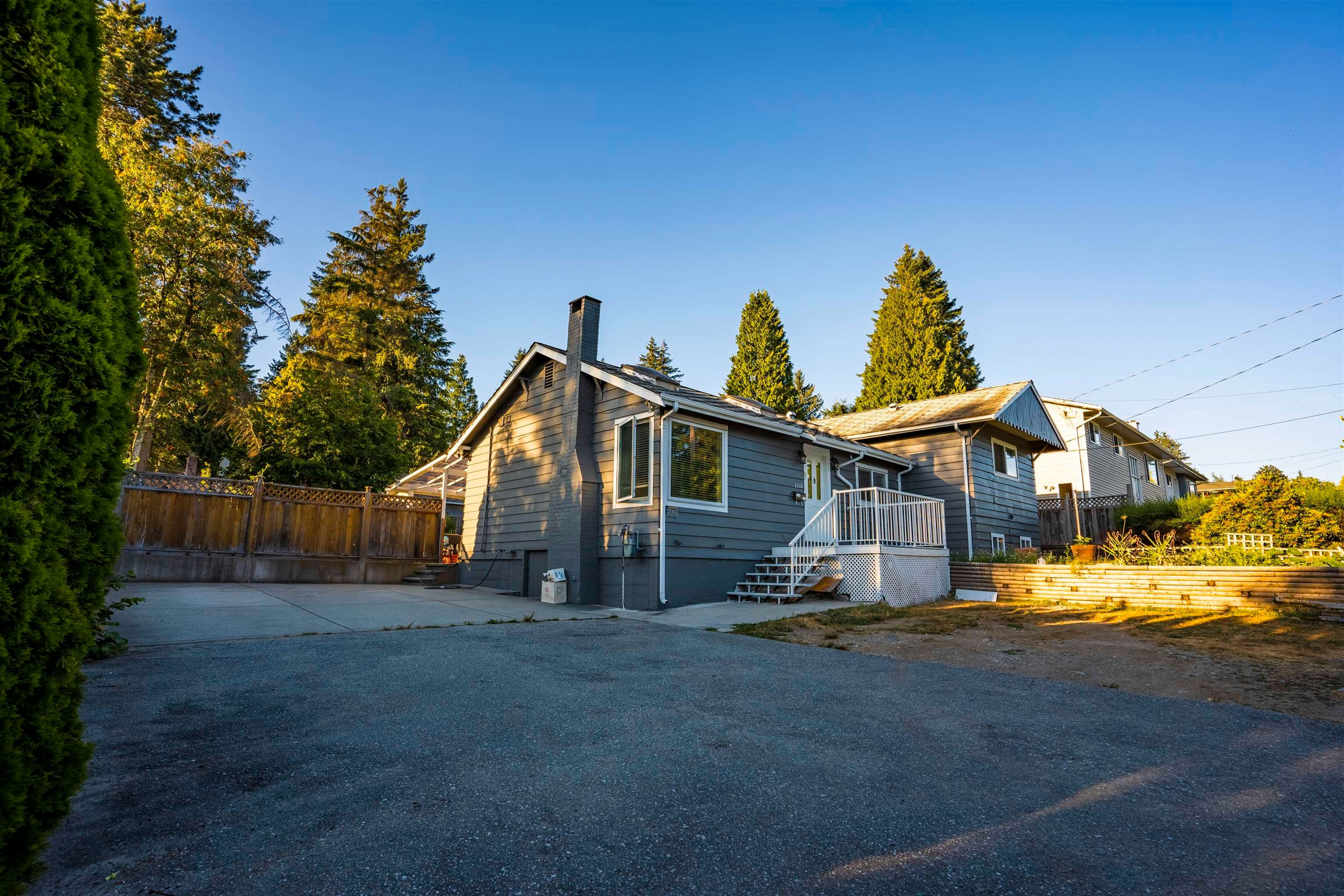 Main Photo: 2355 AUSTIN Avenue in Coquitlam: Central Coquitlam House for sale : MLS®# R2620718