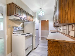 """Photo 11: 101 2880 OAK Street in Vancouver: Fairview VW Condo for sale in """"KINGSMERE MANOR"""" (Vancouver West)  : MLS®# R2597060"""