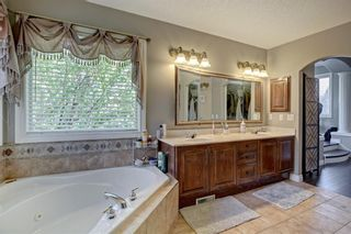 Photo 23: 30 Simcrest Manor SW in Calgary: Signal Hill Detached for sale : MLS®# A1146154