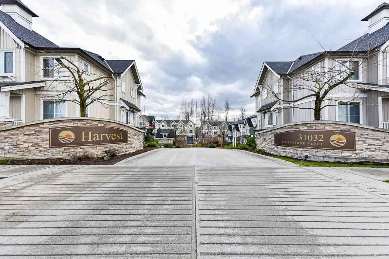 "Main Photo: 47 31032 WESTRIDGE Place in Abbotsford: Abbotsford West Townhouse for sale in ""HARVEST"" : MLS®# R2559479"