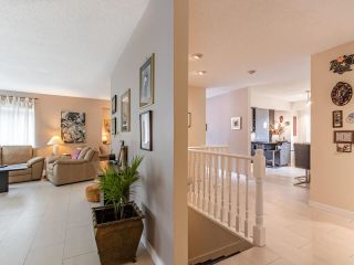 """Photo 6: 9502 WILLOWLEAF Place in Burnaby: Forest Hills BN Townhouse for sale in """"Willowleaf"""" (Burnaby North)  : MLS®# R2588078"""