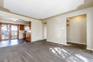 Photo 4: 5615 Thorndale Place NW in Calgary: Thorncliffe Detached for sale : MLS®# A1091089