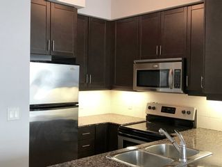 Photo 4: 2201 90 Absolute Avenue in Mississauga: City Centre Condo for lease : MLS®# W4480391