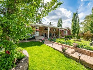 Photo 3: 45 Foxwell Road SE in Calgary: Fairview Detached for sale : MLS®# A1118870