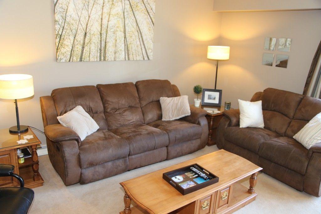 Photo 7: Photos: 407 Wallasey Street in WINNIPEG: Grace Hospital Area Single Family Detached for sale (West Winnipeg)  : MLS®# 1426170