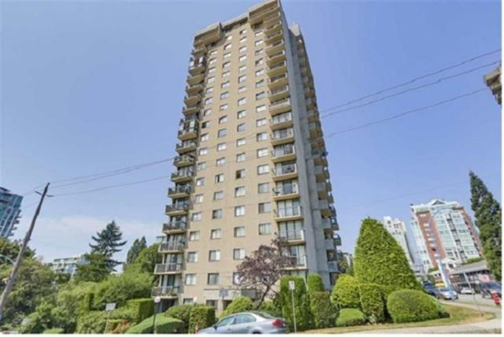 """Main Photo: 1808 145 ST. GEORGES Avenue in North Vancouver: Lower Lonsdale Condo for sale in """"Talisman Towers"""" : MLS®# R2403974"""