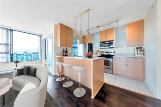 """Photo 3: 3005 928 HOMER Street in Vancouver: Yaletown Condo for sale in """"YALETOWN PARK 1"""" (Vancouver West)  : MLS®# R2599247"""