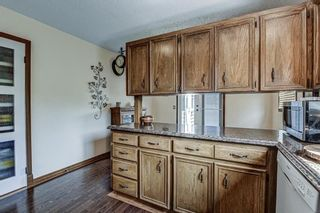 Photo 6: 8 Woodborough Place SW in Calgary: Woodbine Detached for sale : MLS®# C4263304