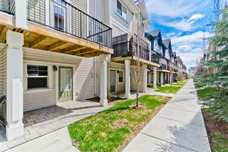 Photo 3: 75 NEW BRIGHTON PT SE in Calgary: New Brighton House for sale : MLS®# C4254785