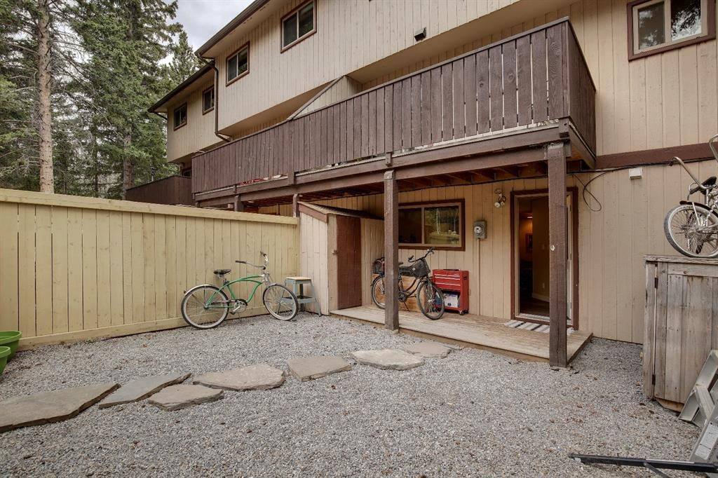 Main Photo: 13 1225 Railway Avenue: Canmore Row/Townhouse for sale : MLS®# A1105162