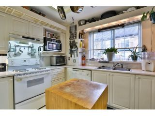 """Photo 7: 88 1561 BOOTH Avenue in Coquitlam: Maillardville Townhouse for sale in """"THE COURCELLES"""" : MLS®# R2010267"""