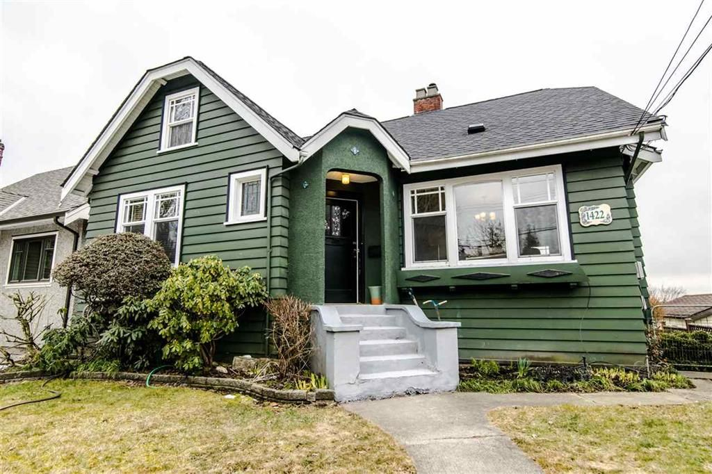 Main Photo: 1422 Hamilton Street in New Westminster: West End NW House for sale : MLS®# R2347834