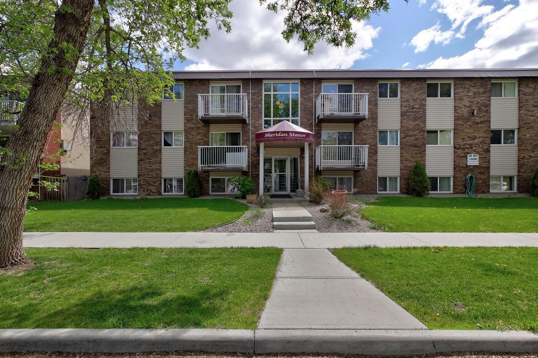 Main Photo: 10621 123 Street in Edmonton: Zone 07 Multi-Family Commercial for sale : MLS®# E4265790