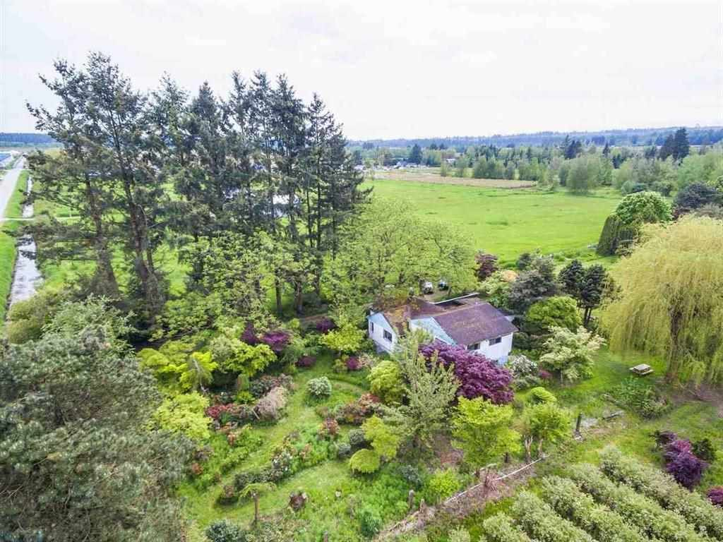 Main Photo: 12305 MCTAVISH Road in Pitt Meadows: West Meadows House for sale : MLS®# R2426408