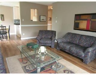 """Photo 3: 311 211 W 3RD Street in North_Vancouver: Lower Lonsdale Condo for sale in """"VILLA AURORA"""" (North Vancouver)  : MLS®# V714905"""
