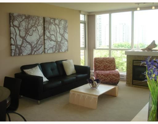 FEATURED LISTING: 404 - 2138 MADISON Avenue Burnaby