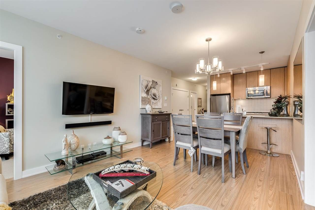 """Photo 9: Photos: 204 301 CAPILANO Road in Port Moody: Port Moody Centre Condo for sale in """"The Residences"""" : MLS®# R2474301"""