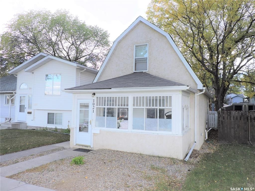 Main Photo: 1021 I Avenue South in Saskatoon: King George Residential for sale : MLS®# SK871341
