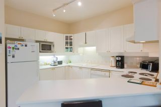 """Photo 8: 301 5262 OAKMOUNT Crescent in Burnaby: Oaklands Condo for sale in """"Sr. Andrews in the Oaklands"""" (Burnaby South)  : MLS®# R2271001"""