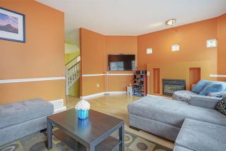 "Photo 3: 21 1108 RIVERSIDE Close in Port Coquitlam: Riverwood Townhouse for sale in ""HERITAGE MEADOWS"" : MLS®# R2396289"